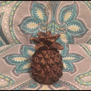 CUTE! Pineapple picture holder-small but adorable